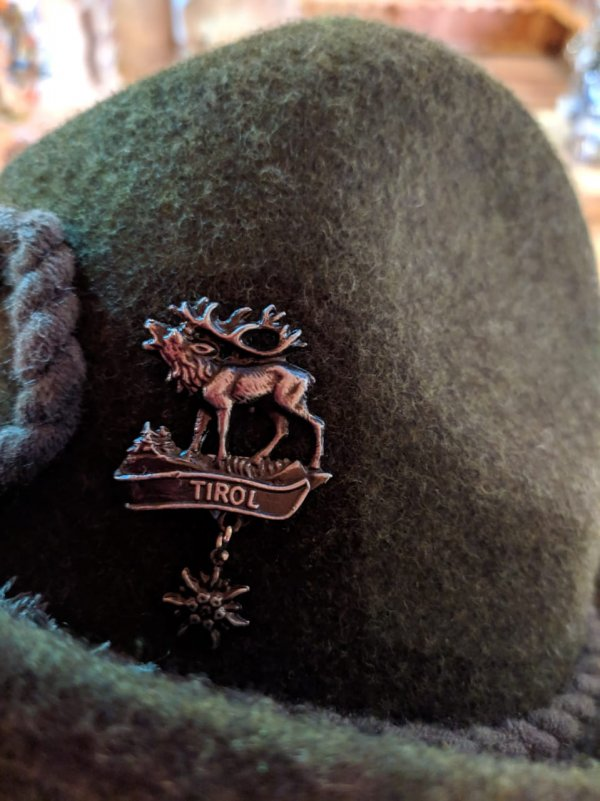 Bóton Cervo Edelweiss 1 Mundo Tirolês - Artigos Típicos Austríacos e Alemães